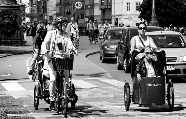 Cargo bikes in urban traffic environment